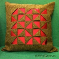 Almofada colorida da SAHCO.