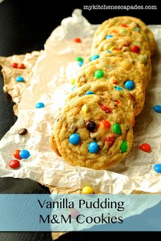 Vanilla Pudding M&M Cookies - My Kitchen Escapades - a really moist and delicious cookie recipe. My kids think this is the best one yet Keto Cookies, M M Cookies, Yummy Cookies, Cupcake Cookies, Yummy Treats, Sweet Treats, Pudding Cookies, Cookies Soft, Baking Cookies