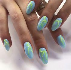 Semi-permanent varnish, false nails, patches: which manicure to choose? - My Nails Aycrlic Nails, Hair And Nails, Manicure, Coffin Nails, Minimalist Nails, Nail Swag, Ongles Forts, Nagellack Design, Colorful Nail