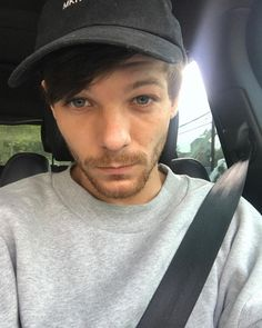 """528.4k Likes, 23.4k Comments - Louis Tomlinson (@louist91) on Instagram: """"Early morning drive"""""""