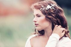 Romantic Decorative Wedding Hair Adornment by GadegaardDesign