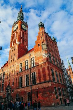 The Beautiful Old Town Of Gdansk, Poland - A Photo Diary || PART 2 - Hand…