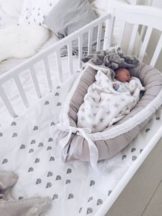 I want to BE that baby - that looks so comfortable and stress free!!!