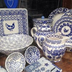 Emma Bridgewater Blue Hen & Border with Cobalt Daisy 2014