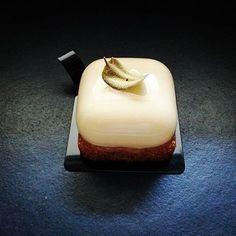 Bergamot/Ghana Chocolate/Sablé Breton/Nigella #pastrychef #cake #pastryart #moussecake #pastry #dessert #pattiserie #chocolate #cacaobarry #silikomartprofessional #awesome #warsaw #foodporn #foodphotography #dessertstagram #fooddesign #foodaddict #foodlover #instafood #deseolove