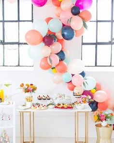 Welcome back from the long weekend, Cakies! We're sharing the most adorrrable #bridalshower today that Ashley of @sugarandcloth threw for her friend Aelish. So much cuteness it hurts! Click our profile link for all the fun... Styling and photography: @sugarandcloth and @jaredjsmith | Florals: @blushandvine | Tablewares: @cb2 | Invitations and paper goods: @minted #thatsdarling