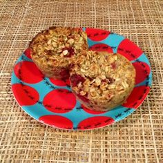 TYS The last baked oatmeal muffin recipe was as popular as Justin Bieber at one of Bryan Singer's twink parties. If you don't get that: it just means it was pretty popular. Anyway, I've been working on a...