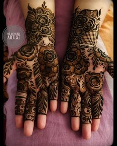 Image may contain: one or more people and closeup Latest Arabic Mehndi Designs, Indian Mehndi Designs, Stylish Mehndi Designs, Mehndi Designs For Girls, Wedding Mehndi Designs, Latest Mehndi Designs, Modern Henna Designs, Dubai Mehendi Designs, Arabic Design