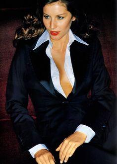 Campaign : Chloé Season : Fall 1998 Photographer : Tom Munro Model(s) : Gisele Bundchen, Aurelie Claudel, Carmen Kass White Shirt Outfits, White Shirts, Smoking Ladies, Le Smoking, 90s Models, Power Dressing, Gisele Bundchen, Office Fashion, Boss Lady