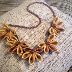 Zlatna saten Traka sa smedjim biserima ogrlica