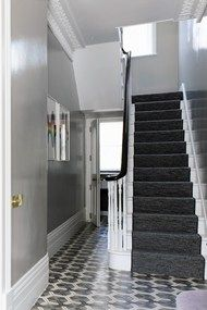 The walls in the hall are painted in 'Hardwick White' gloss by Farrow & Ball; the carpet on the stairs and in the main bedroom is 'Häggå' by Kasthall grey lacquer walls foyer stairway Grey Hallway, Tiled Hallway, Victorian Hallway, Victorian Terrace, Hallway Paint Colors, Color Walls, Hallway Furniture, House Entrance, Entrance Hall