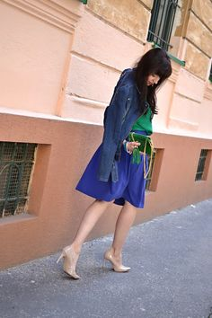 STAČÍ TAK MÁLO_Katharine-fashion is beautiful_Zelený top_Katarína Jakubčová_Fashion Blogger fashionisbeautiful #chic #skirt #inspiration #nude #green #trend #summer #denim #blue