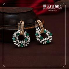 Art And Craft Jewelry Diamond Earrings Indian, Gold Jhumka Earrings, Diamond Earing, Gold Earrings Designs, Diamond Studs, Gold Rings Jewelry, Mom Jewelry, Emerald Jewelry, Jewelry Design