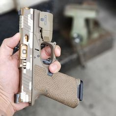 Universal Pistol Magazine Loader for and Other Double and Single Stack Mags (Black) Pocket Pistol, 9mm Pistol, Glock 9mm, Glock Mods, Custom Glock, Custom Guns, Assault Rifle, Cool Guns, Guns And Ammo