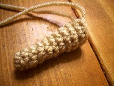Novice Sandy on Knitting Paradise found this absolutely adorable pattern for an Amigurumi Yorkie . The only problem is the pat. Crochet Dragon Pattern, Crochet Keychain Pattern, Animal Knitting Patterns, Crochet Amigurumi Free Patterns, Christmas Crochet Patterns, Stuffed Animal Patterns, Crochet Patterns Amigurumi, Diy Crochet Amigurumi, Crochet Mouse