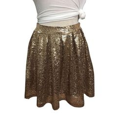 Shinning Golden Sequins Pleated Loose Short Skirt Knit Skirt, Pleated Skirt, Sequin Skirt, Metal Fashion, Fashion Fabric, Short Skirts, Mini Skirts, Sparkle Shorts, Gold Skirt