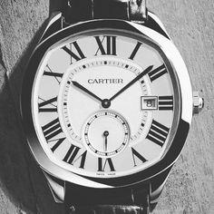 Descubre todas las novedades relojeras en el canal de nuestra nueva revista 10.10 en lifeandstyle.la (link en bio) #watches #luxury #cartier #lifeandstylela #thinklikeaman