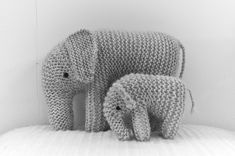 Knitted Elephant Mother and Child