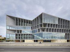 Palacio de Congresos y Hotel / Francisco Mangado