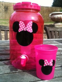 Minnie Mouse juice dispenser for the baby and toddler sippy cups!