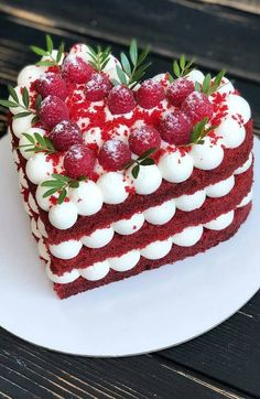 What is the perfect cake, the limitless way of customizing? 50 + new Ideas - Page 33 of 52 - hotcrochet . Fun Baking Recipes, Cake Recipes, Dessert Recipes, Valentine Cake, Valentines Food, Menu Saint Valentin, Heart Cakes, Drip Cakes, Pretty Cakes