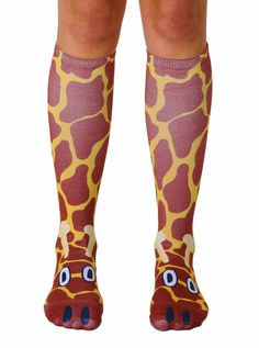 "WE LOVE GIRAFFES! *UNISEX *100% POLYESTER *MADE IN THE USA *ONE SIZE FITS MOST *WOMEN'S SHOE SIZE 4-12 *MENS SHOE SIZE 6-13 *20"" L X 4"" W"