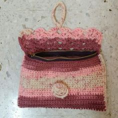 Crochet purse with lining & zip