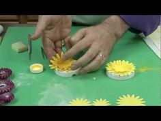 Super Easy Wired Gerbera Daisy by Chef Alan Tetreault of Global Sugar Art, LLC - YouTube