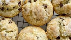 Chocolate Chip Banana Muffins bake up perfectly tall and round, soft-baked banana muffins, with chocolate chips and a sprinkle of sugar on top. Cinnamon Banana Bread, Banana Bread Muffins, Zucchini Chocolate Chip Muffins, Cinnamon Roll Muffins, Applesauce Muffins, Zucchini Muffins, Baked Banana, Chocolate Chips, Cinnamon Rolls