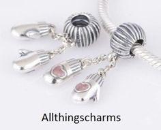 Brand New Genuine Silver Pandora Winter Xmas Mittens Charm. 791181EN46 - RRP £35 in Jewellery & Watches, Fine Jewellery, Fine Charms & Charm Bracelets | eBay!