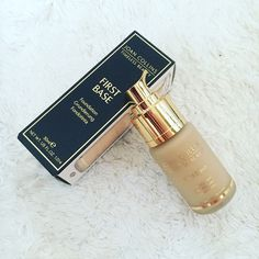 @joancollinstimelessbeauty #firstbase is a wonderfully light, and smoothing foundation that evens out those pesky pores with minimal product! Get yours online now, from just £25!! • • • #beauty #beautyblog #bblogger #linkinbio #gingertalks #ontheblog #instadaily #instabeauty #flatlay #NEW #review #obsessed #makeup #beautybag #makeupbag #musthave #buynow #beautybuy #productjunkie