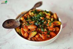JEDZ ROŚLINY: rozgrzewająca potrawka pomidorowa z warzywami strączkowymi