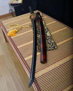 full tang carbon steel black blade japanese Katana samurai sword sharp real cut Samurai Weapons, Ninja Weapons, Katana Swords, Anime Weapons, Fantasy Weapons, Fantasy Warrior, Swords And Daggers, Knives And Swords, Hidden Weapons
