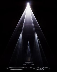 Anthony McCall five minutes of pure sculpture 1