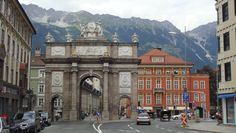 Franz Xaver Messerschmidt - Sochařská výzdoba oblouku v Innsbrucku, 1765-75