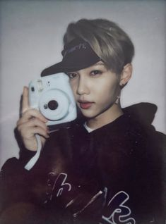 ☽ / / lee felix이필릭스's au, CO… # Fiksi Penggemar # amreading # books # wattpad Kpop, Polaroid Pictures, Polaroids, Felix Stray Kids, Fandom, Lee Know, Lee Min Ho, Boyfriend Material, Korean Boy Bands