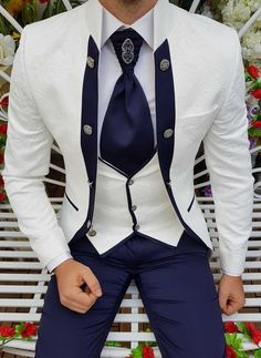 Blazer Outfits Men, Mens Fashion Blazer, Stylish Mens Outfits, Suit Fashion, Designer Suits For Men, Designer Clothes For Men, Dress Suits For Men, Mens Suits, African Wear Styles For Men