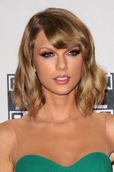 Taylor Swift - 2014 American Music Awards In Los Angeles : Global Celebrtities (F) - FunFunky.com