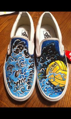 Hand painted Water Polo Vans  By Moses Garcia @ Contra Tattoo #vans #usawaterpolo #waterpolo #custom