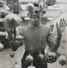 Richard Avedon • Christmas Boy