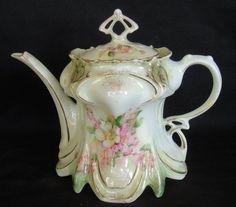 1891 Austrian Porcelain Teapot