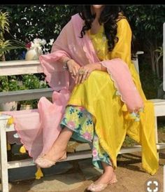Indian kurta dress With dupatta sharara palazzoTop Tunic Set blouse Combo Ethnic Pakistani Dress Design, Pakistani Dresses, Indian Dresses, Indian Outfits, Punjabi Dress, Kurti Designs Party Wear, Kurta Designs, Dress Designs, Girls Designer Clothes