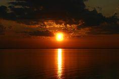 Sunrise by ~testelse on deviantART
