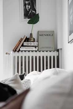 Use Your Radiator As A Book Shelf And Side Table. Schlafzimmer Einrichten,  Schöne Schlafzimmer