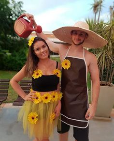 margarida e jardineiro para Car. -Fantasia margarida e jardineiro para Car. Celebrity Halloween Costumes, Cool Halloween Costumes, Diy Costumes, Fantasy Party, Flower Costume, Outdoor Halloween, Hijab Dress, Themed Outfits, Monarch Butterfly