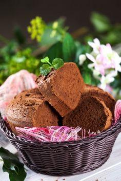 Bolo seco de chocolate TeleCulinária 1839. Disponível em formato digital: www.magzter.com Visite-nos em www.teleculinaria.pt