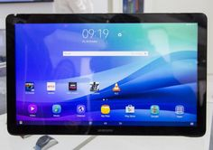 Samsung debuts the largest Android tablet ever, a giant-screened model aiming to be a luggable TV replacement. Android Technology, Technology World, Android Apps, Compare Phones, Portable Tv, Free Cell Phone, Latest Smartphones, Samsung Tabs, Best Mobile Phone