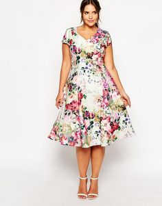 Truly You Floral Plunge Midi Dress on TheCurvyFashionista.com