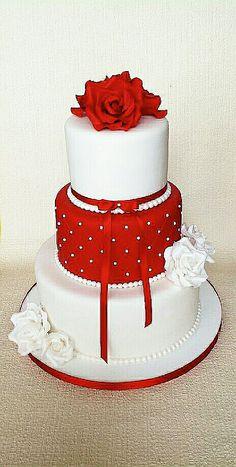 Bruiloft in rood en cupcakes - ♥Wedding Cakes♥ - Deco Wedding Cake, Fondant Wedding Cakes, White Wedding Cakes, Elegant Wedding Cakes, Beautiful Wedding Cakes, Wedding Cake Designs, Fondant Cakes, Beautiful Cakes, Cupcake Cakes