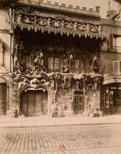 "erinaa:    Le café de ""L'enfer"" in Montmartre, Eugène Atget 1912"